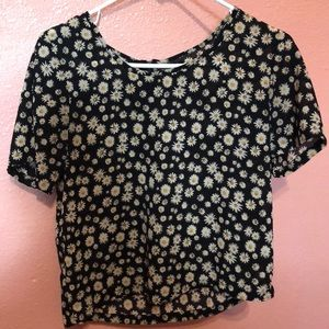 Flowery cropped blouse